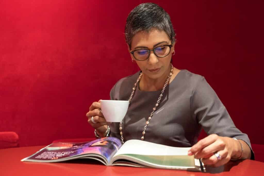 Advantages of Reading Eyeglasses by Foster Grant - Improve your look