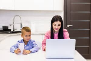 Federal Grants for Single Mothers - A Financial Aid